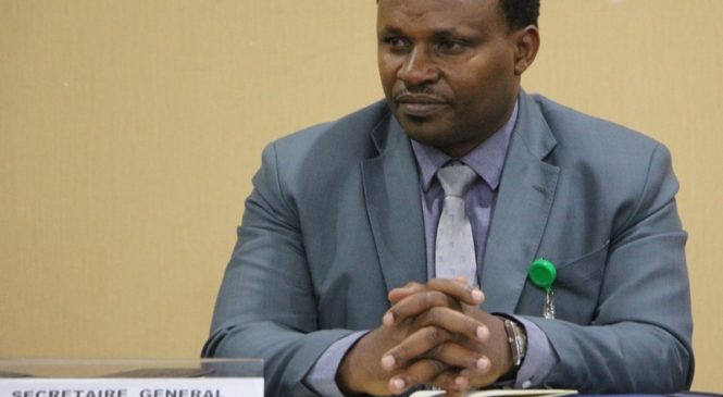 Nyuma y'iminsi 16 hatowe komite nshya ya FERWAFA, Umunyamabanga Mukuru yahise yegura