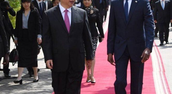 Perezida Jinping yageze i Kigali, hasinywa  amasezerano  hagati y'u Rwanda n'u Bushinwa