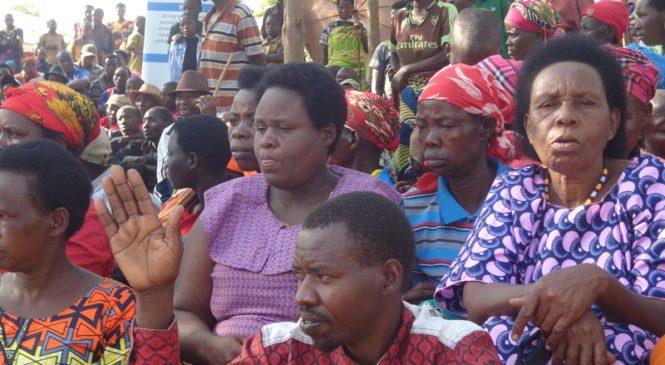 Gishubi: Baremeza ko guhuza ibyiciro by'ubudehe na serivisi za Leta hari abantu bibangamira