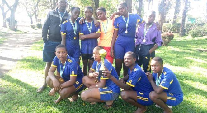 Kiziguro Secondary School Handball Club yegukanye igikombe cya Beach Handball