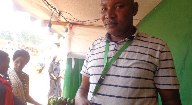 Rutazihana Alphone umuvuzi wa gakondo uvura indwara zikomeye zirimo Umwijima