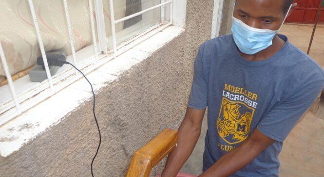 Gatenga: Yavumbuye ko mu rubaho hazamukamo amazi ugakaraba uteze intoki