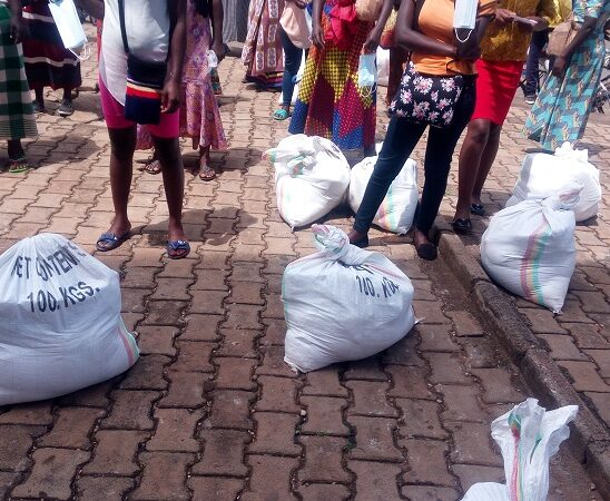 Kigali: Ababa mu buzima bwihariye bagizweho ingaruka na COVID-19 bahawe inkunga n'impanuro